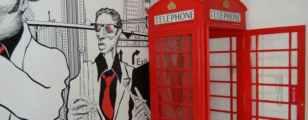 Replika budki telefonicznej